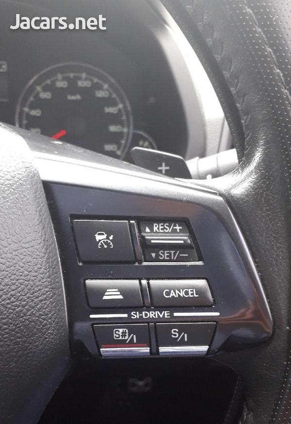 Subaru Legacy 2,0L 2013-5
