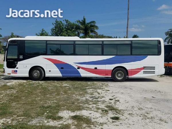 2005 Issu Gala Bus-1