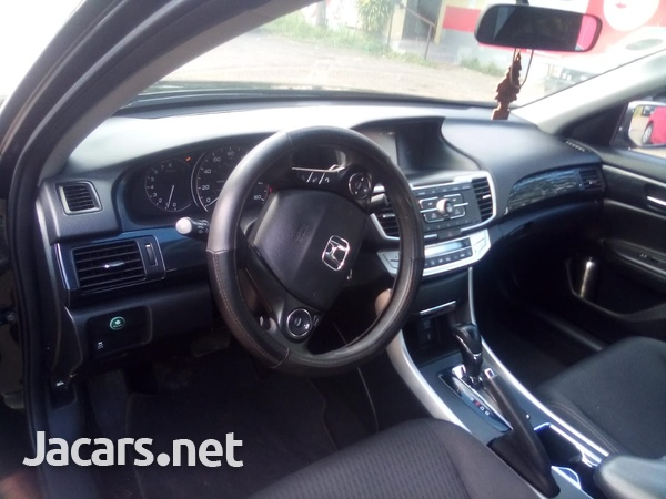 Honda Accord 1,6L 2015-7