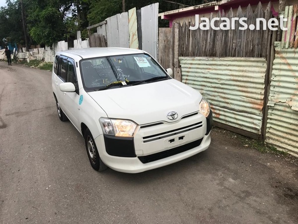 Toyota Probox 2,5L 2016-7
