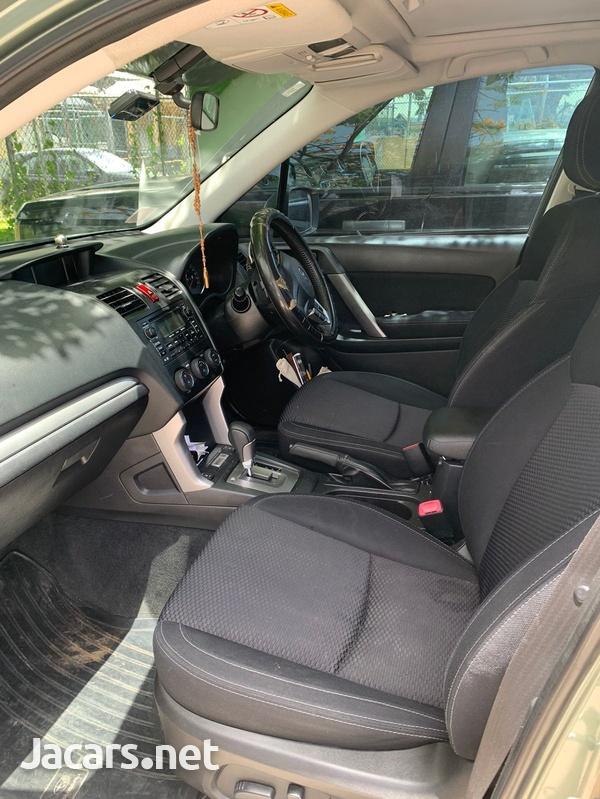 Subaru Forester 2,5L 2014-4