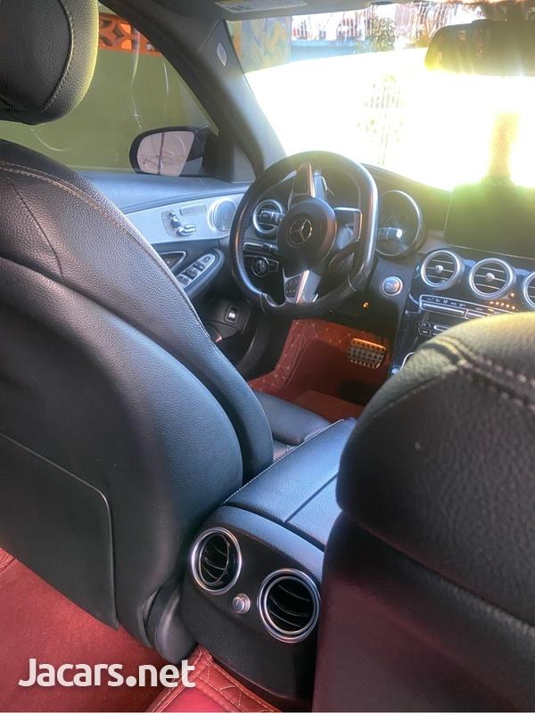 Mercedes-Benz C-Class 2,0L 2015-10