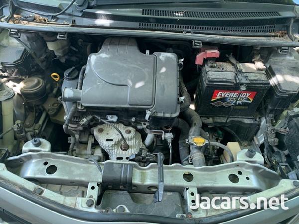 Toyota Vitz 1,0L 2011-2