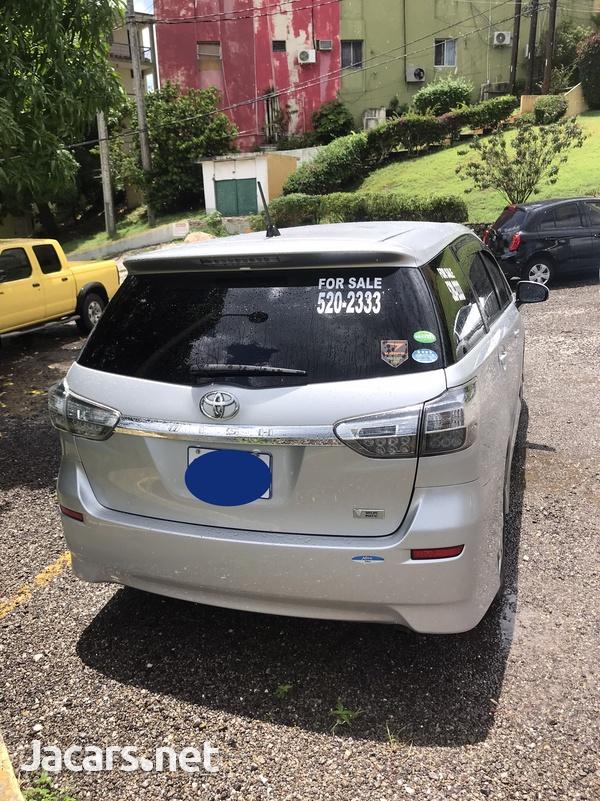 Toyota Wish 2,0L 2014-3