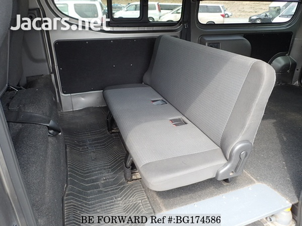 Nissan Caravan 2,5L 2014-6
