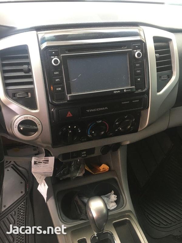 Toyota Tacoma 4,0L 2015-3