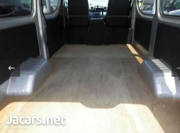 2015 Nissan Caravan-4