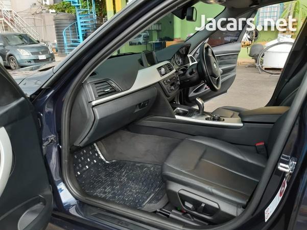 BMW 3-Series 1,9L 2013-4