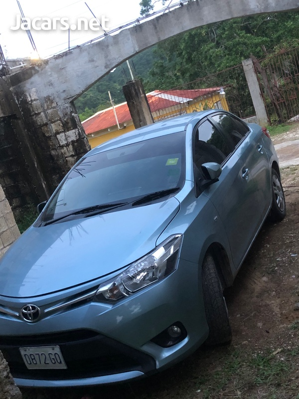 Toyota Yaris 1,3L 2014-1