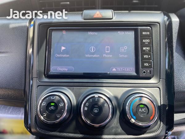 Toyota Axio 1,5L 2017-9