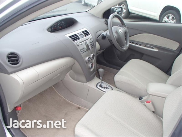 Toyota Belta 1,3L 2012-11