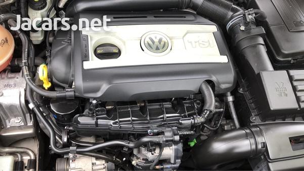 Volkswagen Passat 2,0L 2014-3