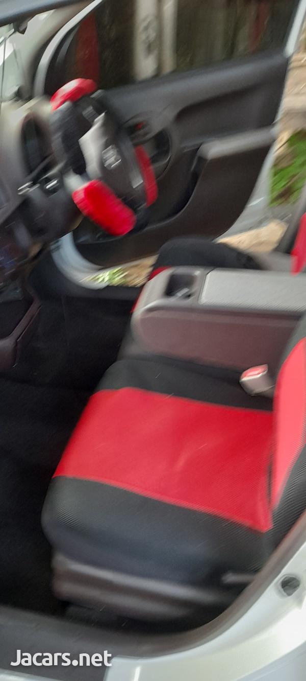 Toyota Passo 1,0L 2014-4