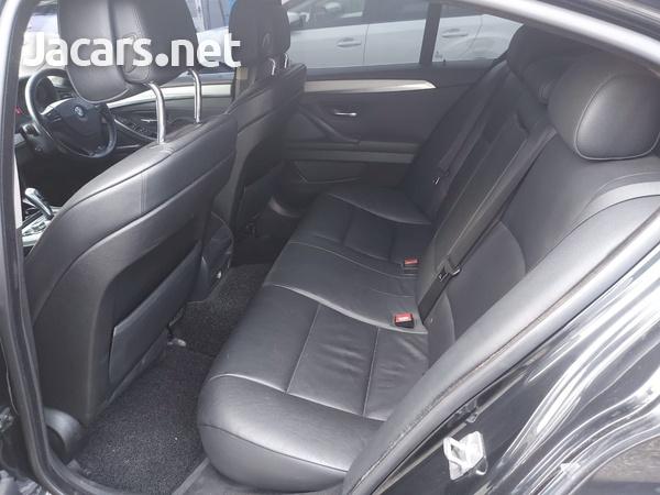 BMW 5-Series 2,5L 2011-4