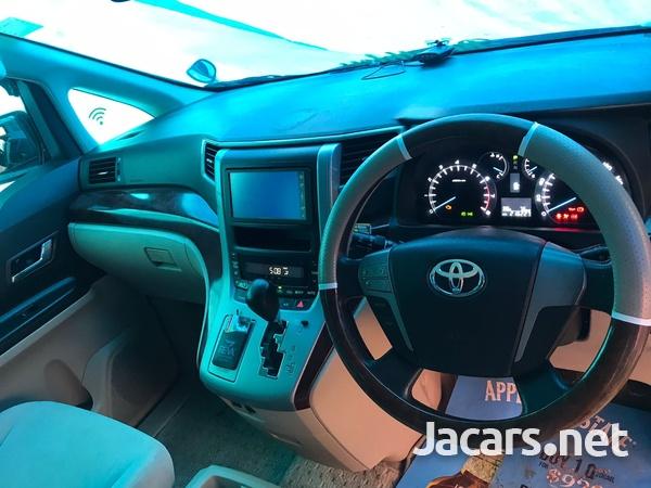 Toyota Alphard 2,0L 2011-3