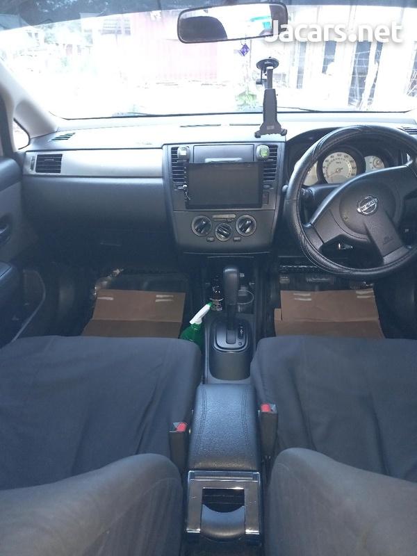 Nissan Tiida 1,8L 2013-4