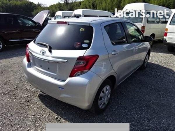 Toyota Vitz 1,0L 2015-3
