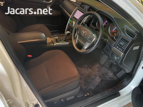 Toyota Mark X 2,5L 2015-10