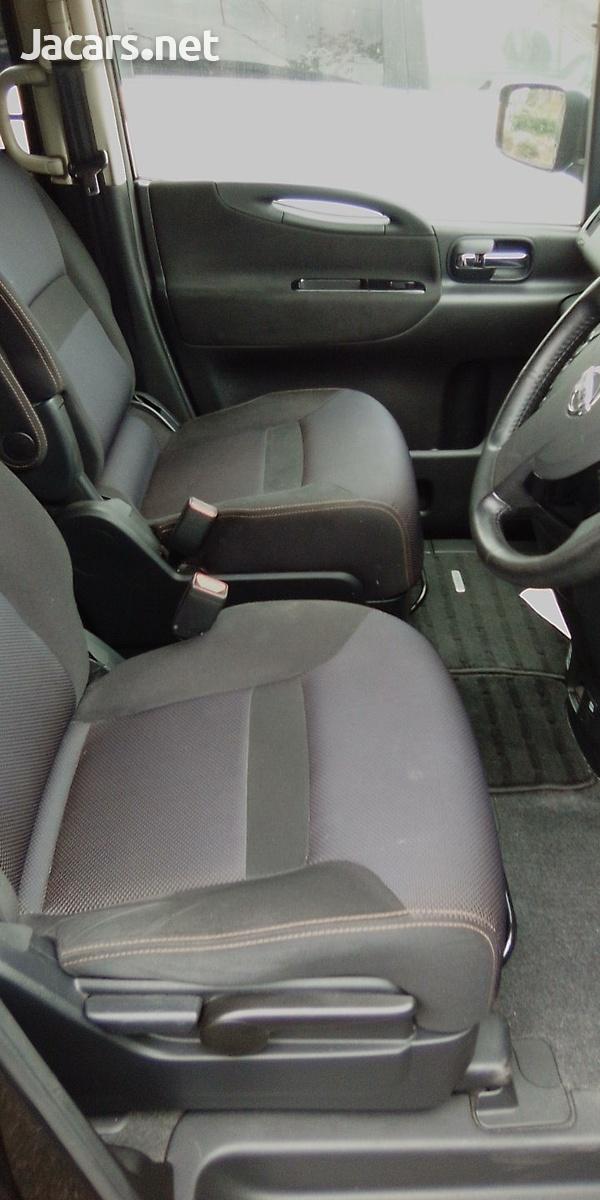 Nissan Serena 2,0L 2010-2