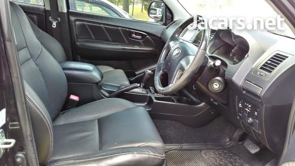 Toyota Fortuner 2,7L 2014-6