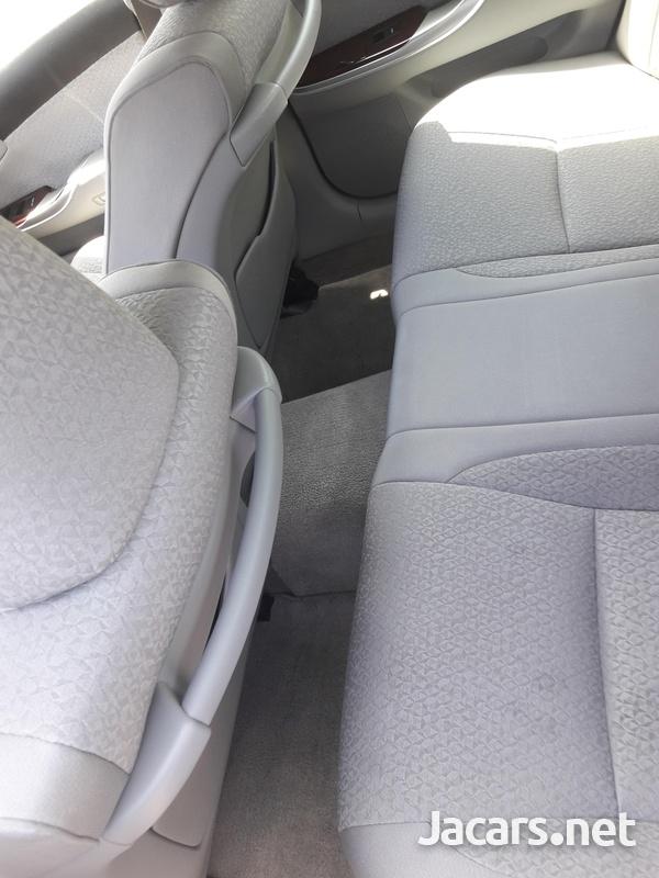 Toyota Crown 2,5 2012-4