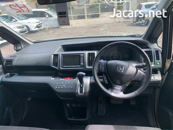 Honda Step wagon 1,9L 2012-3