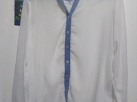 2XL BLUE AND WHITE LONG SLEEVED SHIRT WITH SPLIT IN THE BACK