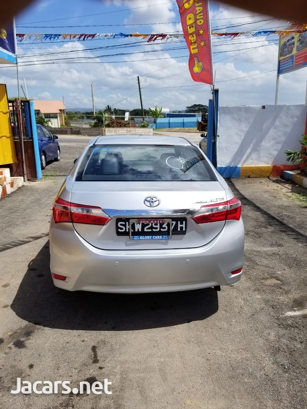 Toyota Corolla Altis 2,0L 2015-5
