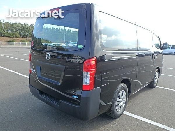 Nissan Caravan 2,5L 2015-6