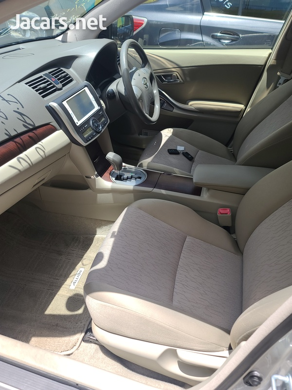 Toyota Allion 2,0L 2012-9