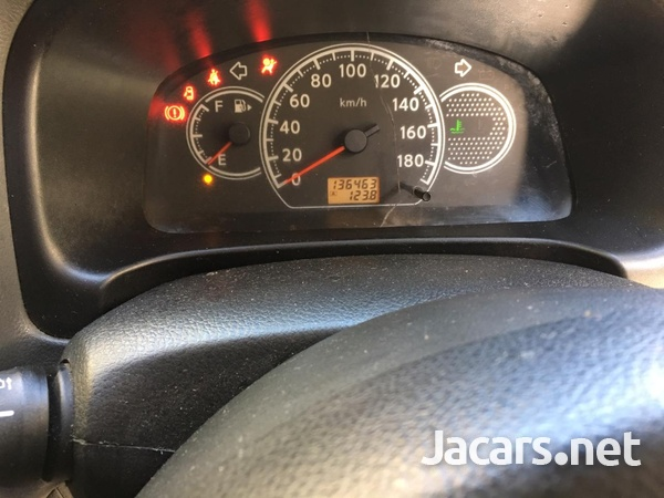 Nissan AD Wagon 2,0L 2012-6