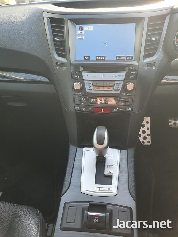 Subaru Legacy 2,5L 2013-9