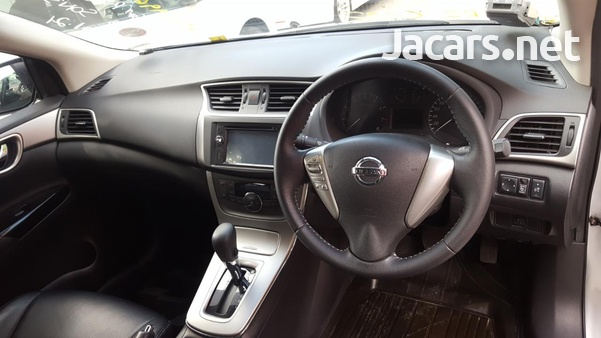 Nissan Sylphy 2,0L 2014-6