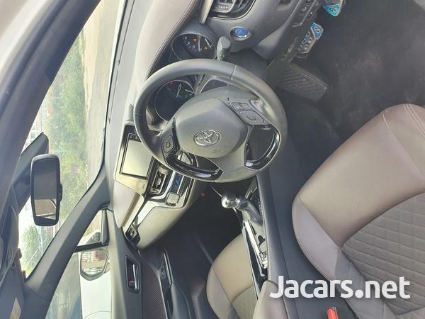 Toyota C-HR 2,0L 2018-5
