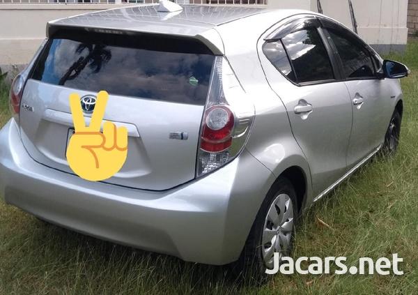 Toyota Aqua 1,5L 2013-2