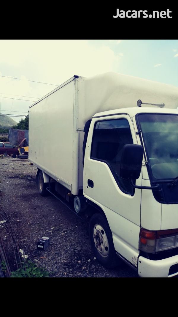 Isuzu Box Truck-5