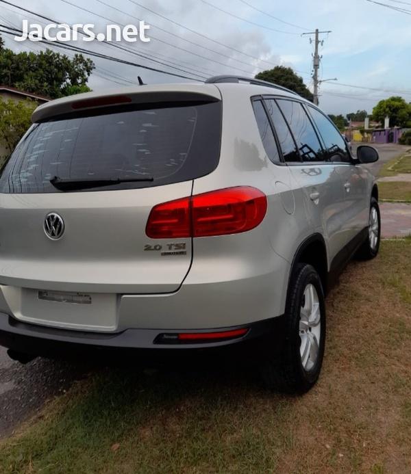Volkswagen Tiguan 2,0L 2014-7