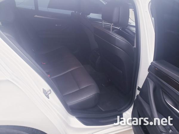 BMW 5-Series 2,5L 2013-9