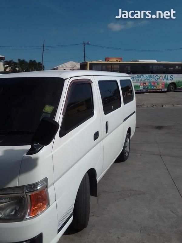 Nissan Caravan 2,0L 2011-3