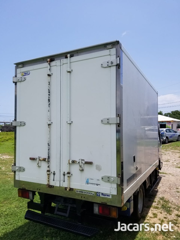 2006 Isuzu Freezer Truck-3