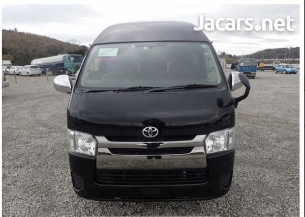 Toyota Hiace Van 3.0 2017-6