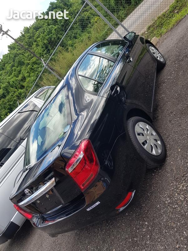 Toyota Axio 1,5L 2017-12