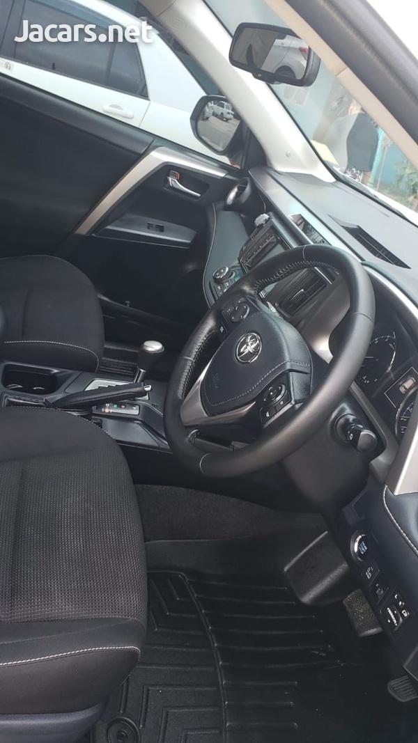 Toyota RAV4 2,0L 2019-11