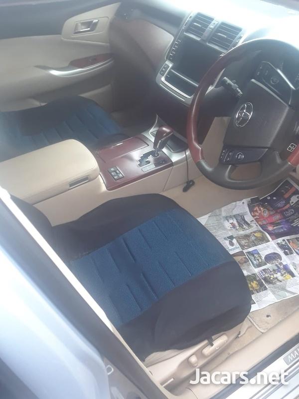 Toyota Crown 1,8L 2013-5