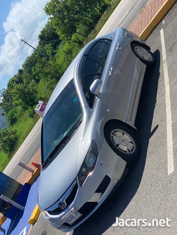 Honda Civic 1,3L 2010-3