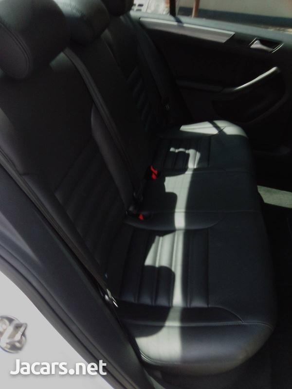 Volkswagen Jetta 1,4L 2015-6