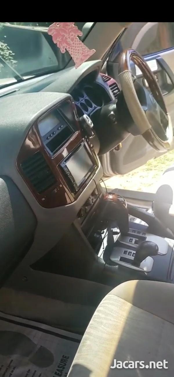 Mitsubishi Pajero 3,0L 2006-5