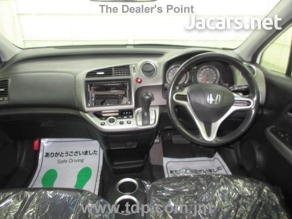 Honda Stream 1,8L 2012-7