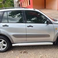 Toyota RAV4 2,5L 2003