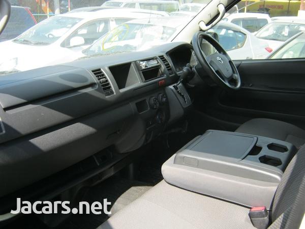 Toyota Hiace Bus 2,0L 2014-9